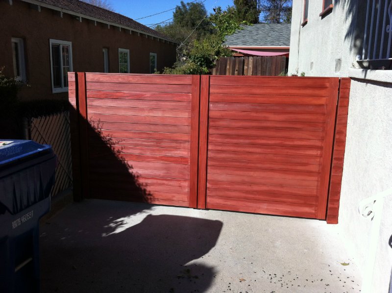 Contempory 5' Redwood  horizontal double gate with a Redwood stain