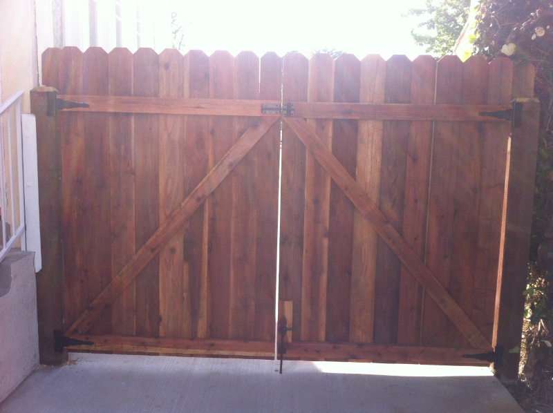 Redwood dogear style double gate