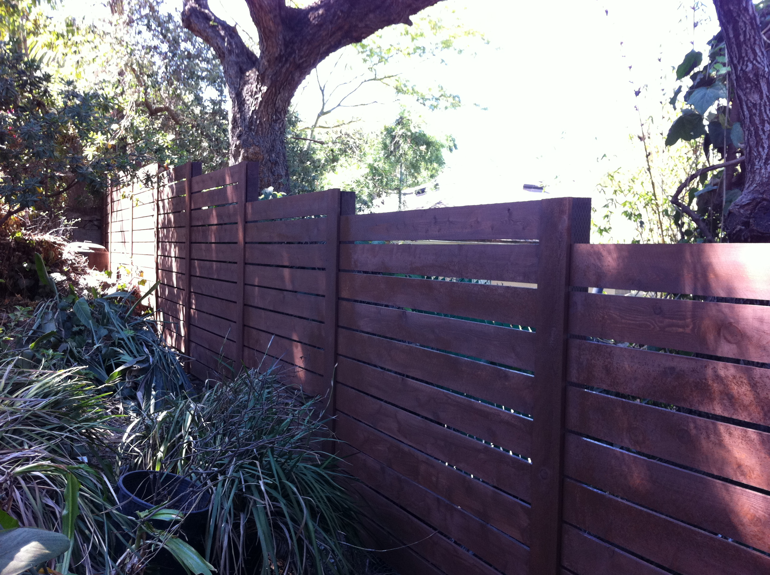 Contempory horizontal style fence